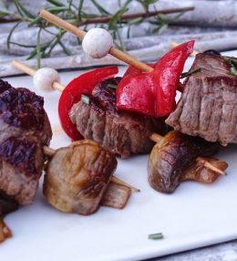 Mini gemarineerde biefstukspiesjes