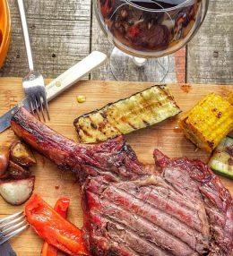 Cote de Boeuf in Rode wijn Marinade van de BBQ