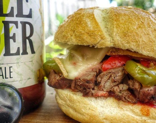 Waanzinnig Broodje Hamburger van de BBQ Grillfun