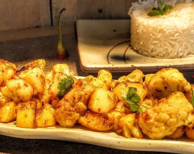 Indiase aardappel bloemkoolschotel