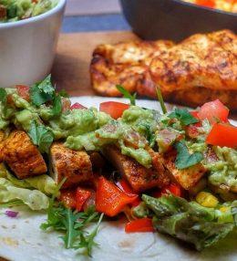 Wrap met gegrilde kip en Guacamole