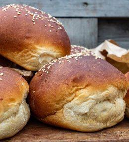 Brioche burger broodjes maken