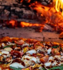 BBQ kip pizza met barbecuesaus