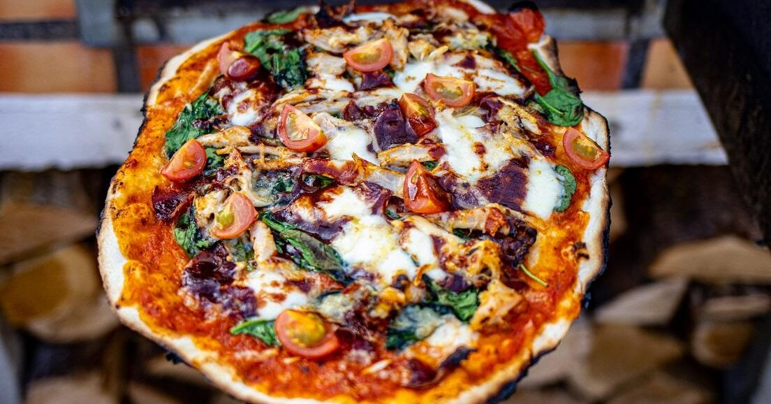pulled chicken pizza